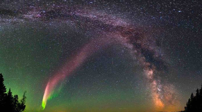 Canadian Scientist Discovers Mysterious New Aurora