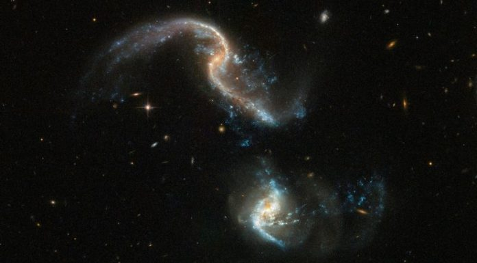 Hubble captures new image of two colliding galaxies (Picture)