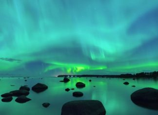 Electric Blue Auroras Appear after a New Geomagnetic Storm