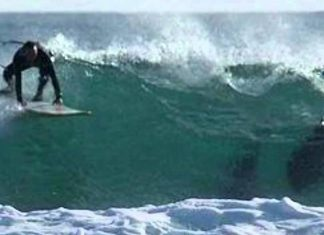 Shark attack halts Australia surf competition (Video)