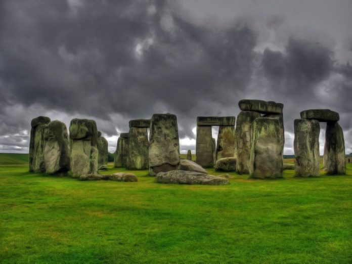 Reports: Builders of Stonehenge 'were skilled astronomers'