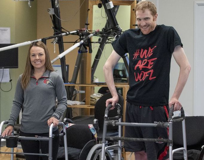 Paralyzed people walking: Patients walk again with help from pain stimulator