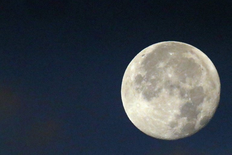 Artificial Moon Is A Bright Idea For Replacing Street Lights