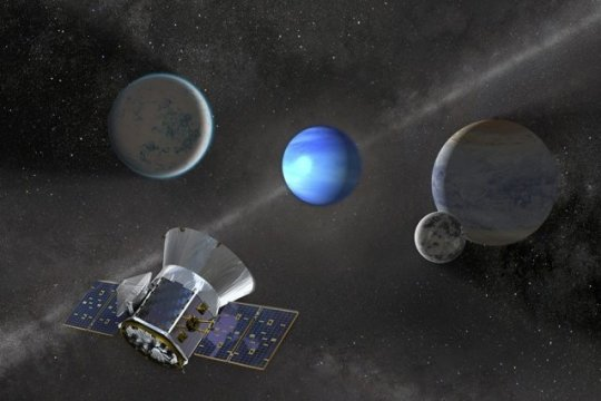 Nasa spacecraft spots gaseous planet 23 times the size of Earth