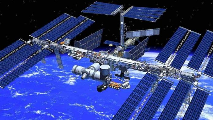 Astronauts arrive at the International Space Station (Video)