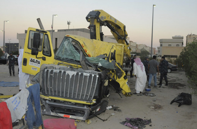 Kuwait arrests Egyptian after failed suicide attack on US soldiers – Explosives found in truck