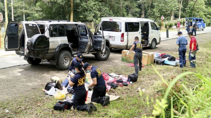 Samsudin Dimaukom: Philippine mayor killed in police shootout