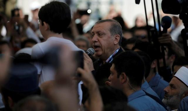 Turkish Military Judges Sacked, coast guard seeks new recruits