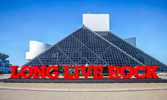 'Long Live Rock' sign added outside rock hall in Cleveland