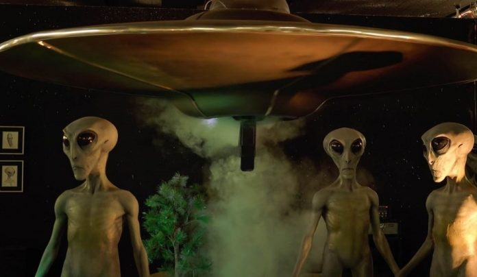 Researcher Predicts Extraterrestrials Discovered In 2017