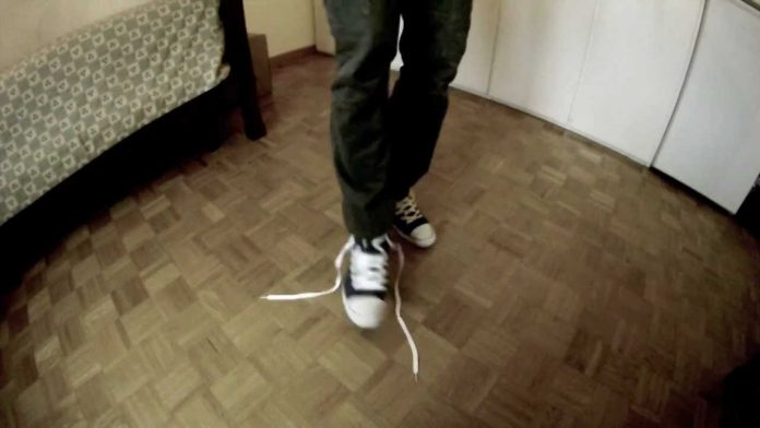 Researchers untangle the knotty problem of loose shoelaces