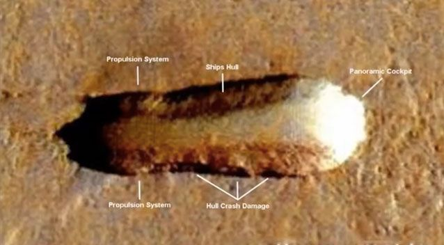 UFO hunter spots 'alien mothership' on Mars (Picture)