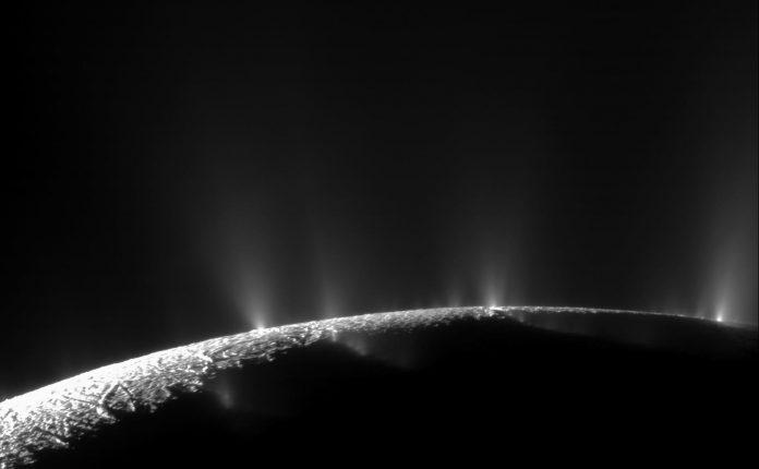 Heating ocean moon Enceladus for billions of years