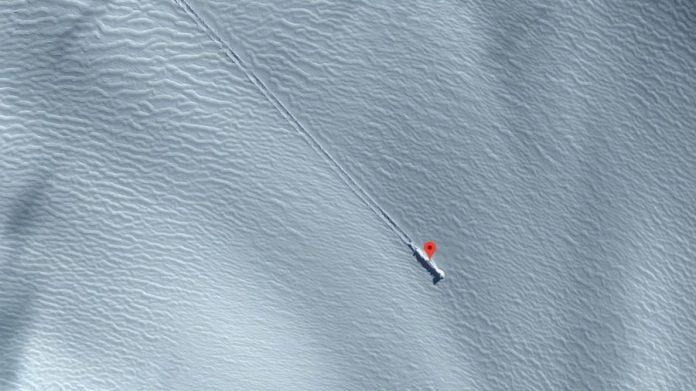 Proof of Aliens? Baffling Google Earth image sparks alien claims