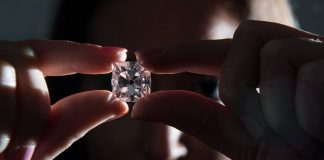 Researchers find way to bend, stretch diamond