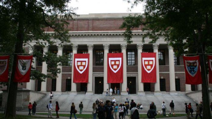 Harvard sorority sanctions: Single-Gender Club Rule Passes