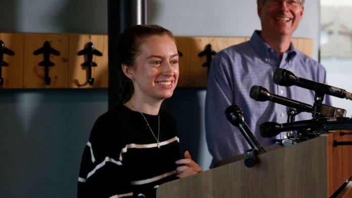 Maggie Taraska: Teen pilot, scared at first, but landed damaged plane
