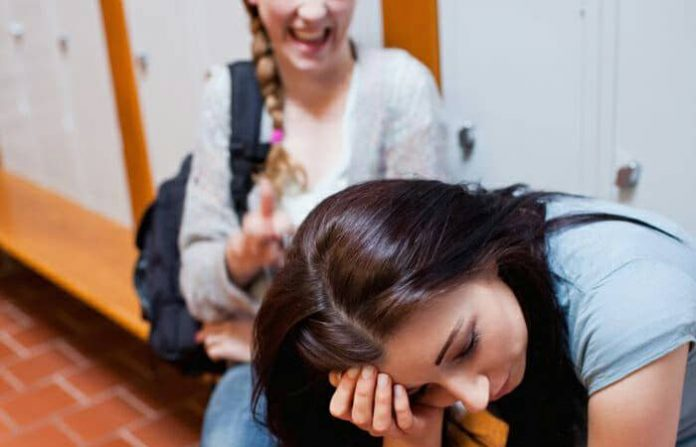Witnessing violence bullying high school, new study finds
