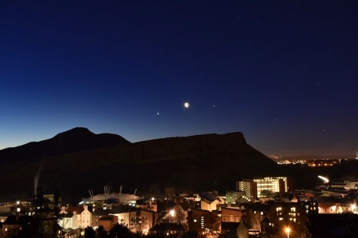 Venus and Jupiter align to create spectacle in the sky (Photo)