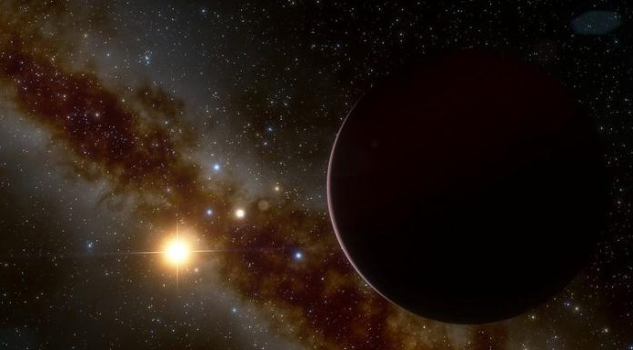 Researchers puzzled by big planet orbiting little star