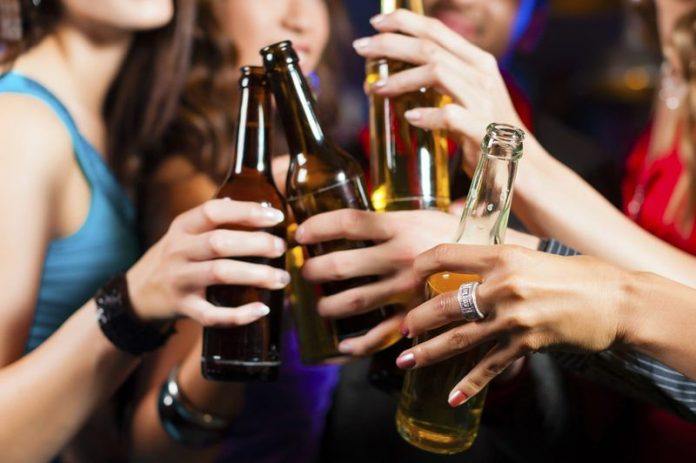 Young drinkers more 'selfie-conscious,' Says New Study