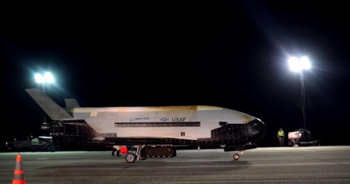 Air Force's mystery space plane completes 2-year mission
