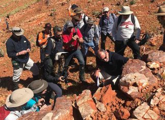 Researchers Investigate Ancient Life in Australia