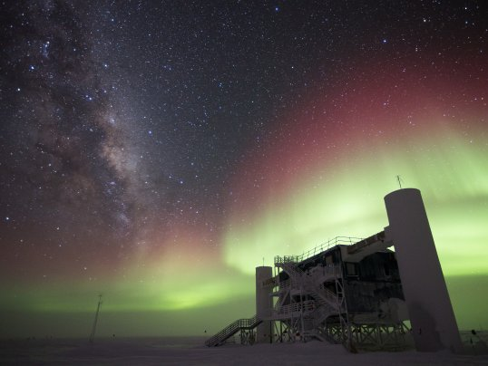 IceCube rules out last Standard Model explanation of ANITA's anomalous neutrino events