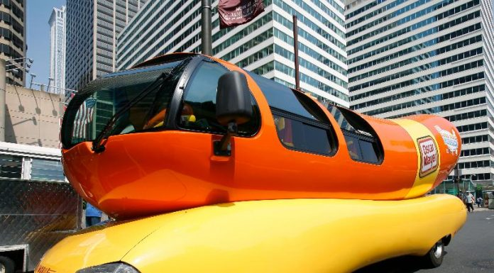 Oscar Mayer hiring 'Hotdogger' to drive the Wienermobile, Report