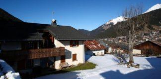 Virus: 5 UK citizens contract coronavirus at French ski resort
