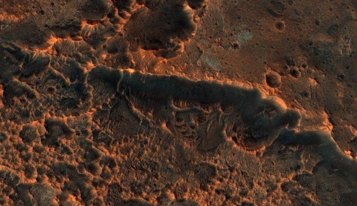 Report: Meteorites tell story of Mars' water history