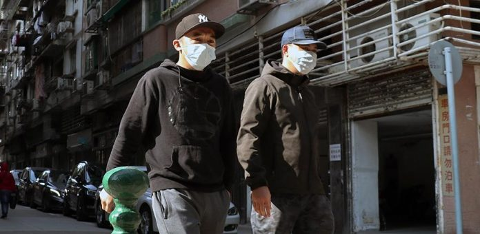 Everyone should wear masks in COVID-19 crisis, say scientists