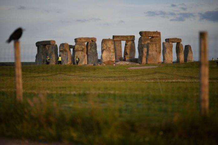 Researchers find prehistoric underground structures near Stonehenge