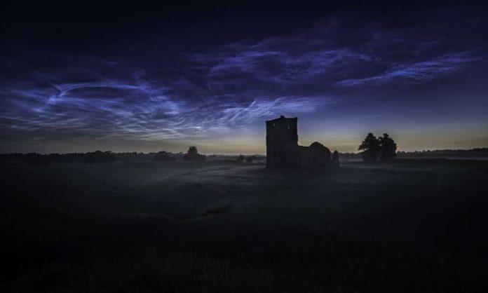 Photo: Rare night clouds may be warning sign of climate crisis