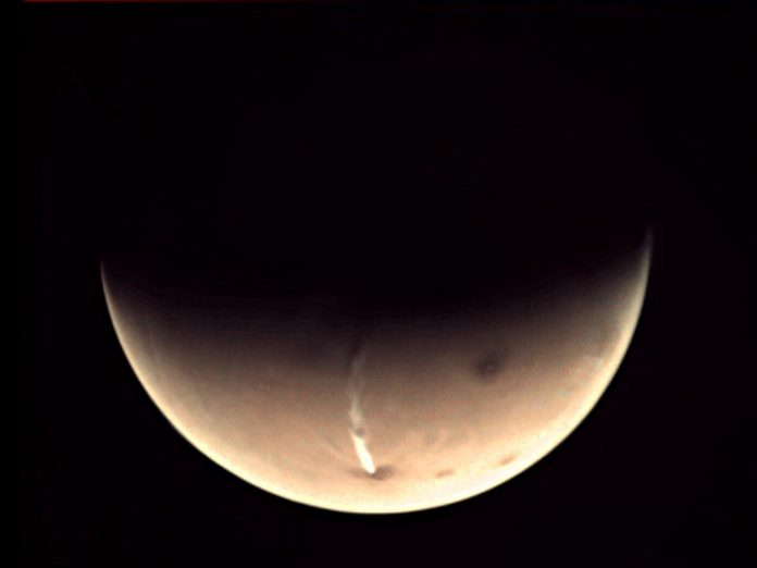 Giant Cloud Returns on Mars – Not Linked to Volcanic Activity