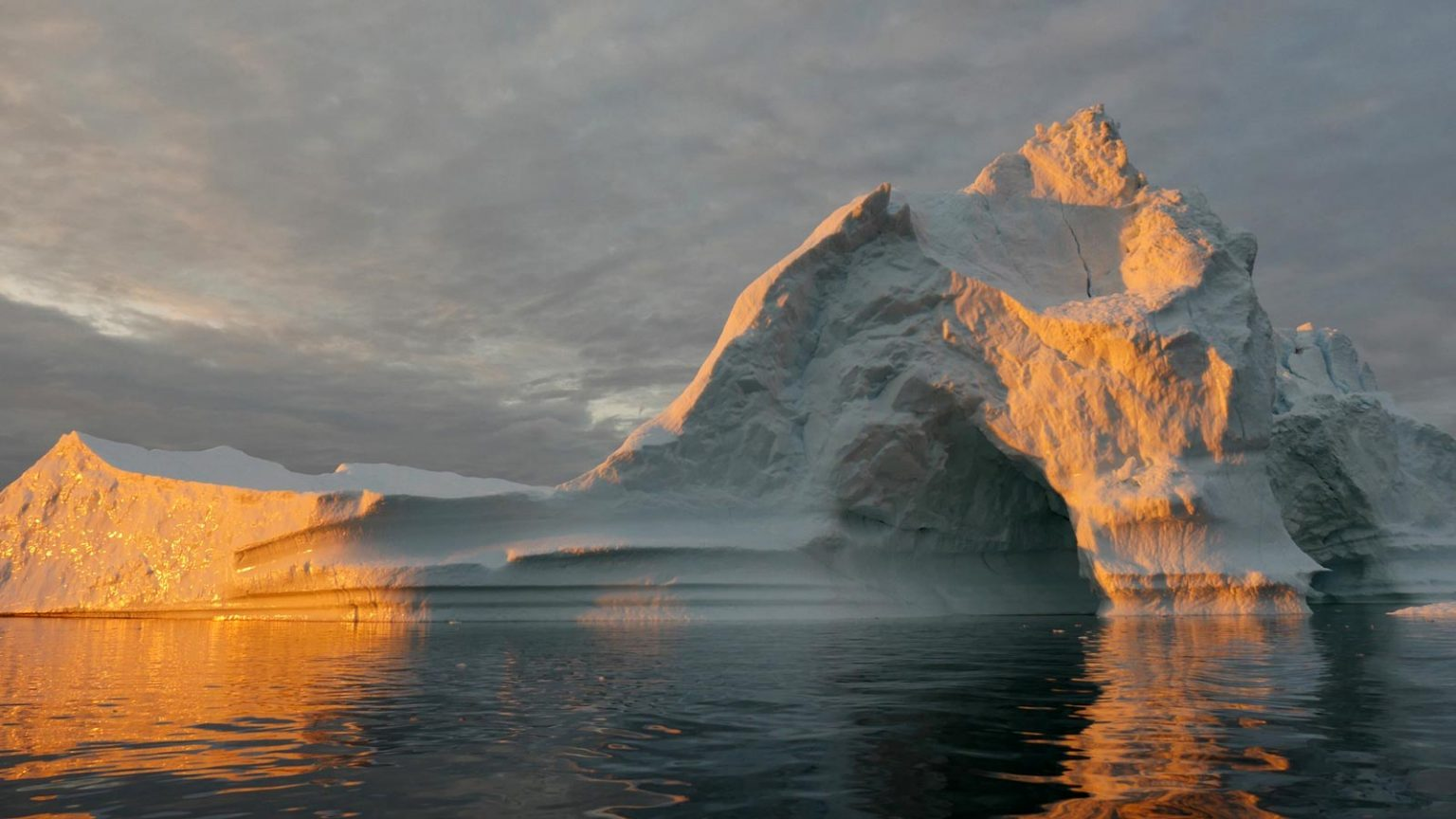586 billion tons of ice melted in Greenland during 2019; new record