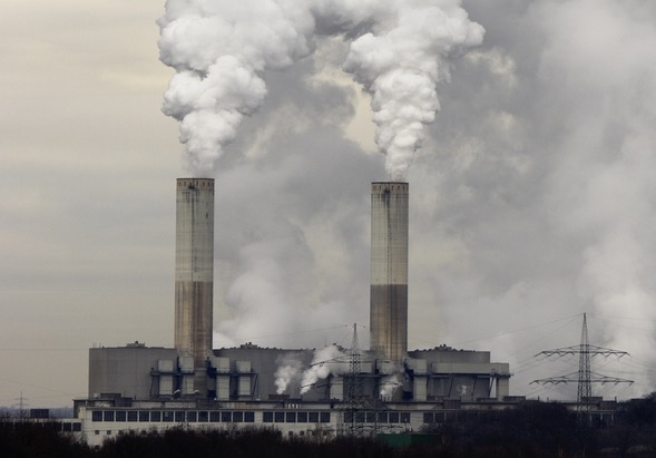 Study: Disparities in a common air pollutant are visible from space