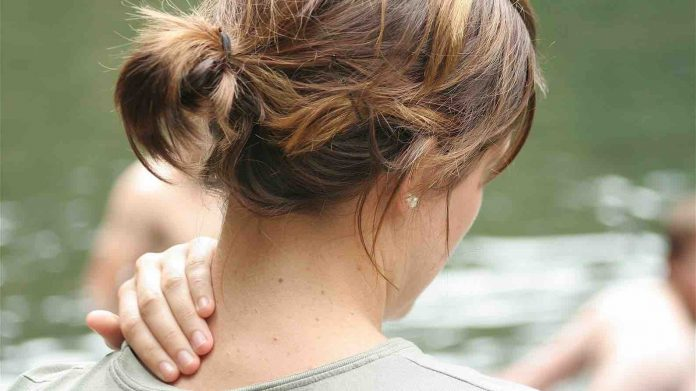 New study finds slumped posture not such a pain in the neck after all