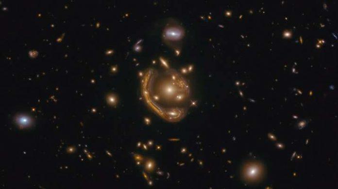 Researchers pinpoint age of molten 'Einstein ring'
