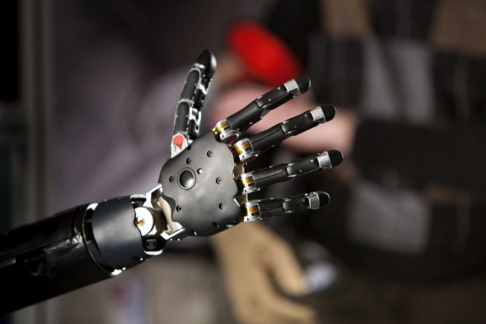 Bionic hand in prototype state gives amputee ability to 'feel'